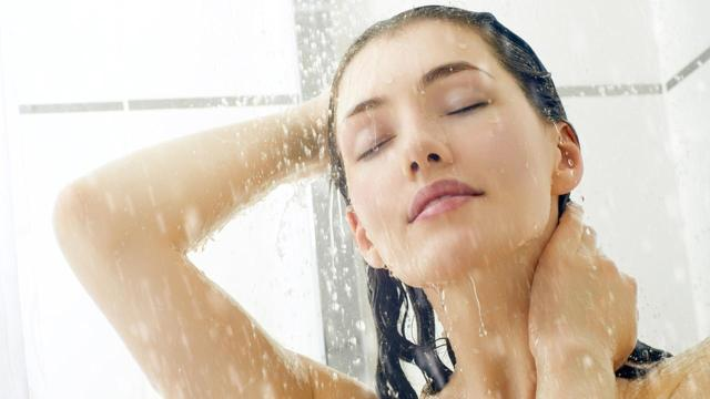 Pezsgőmedence használata előtt és után is erősen ajánlott egy gyors zuhany